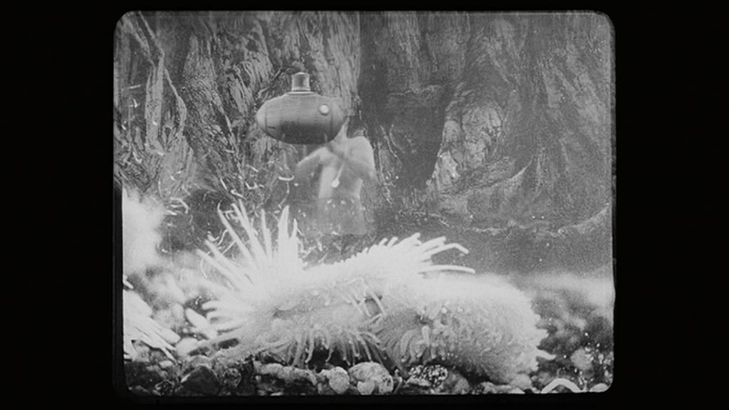 Postava animátora Arnošta Kupčíka se objevila za ponorkou ve Vynálezu zkázy