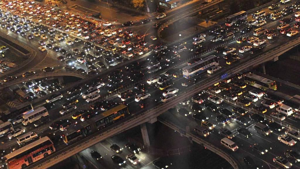 Peking: Kromě přeplněné dopravy známý i pověstným smogem