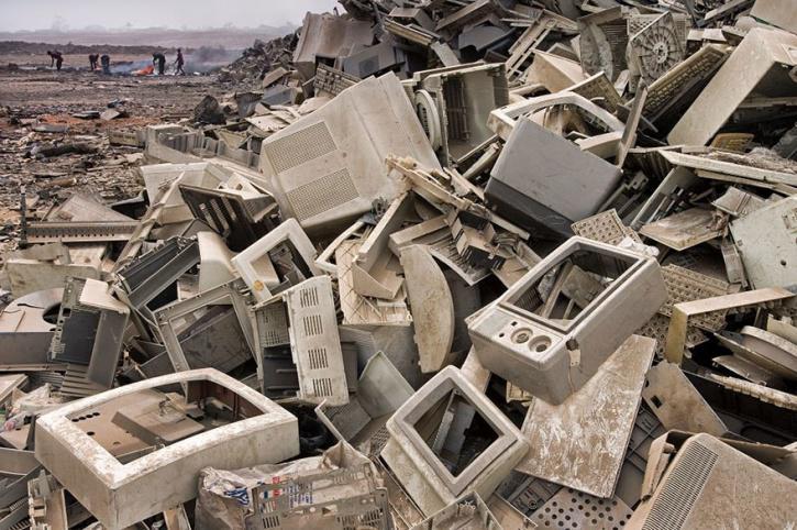 Spotřební odpad z rozvinutého světa často končí v tom třetím pro další zpracování