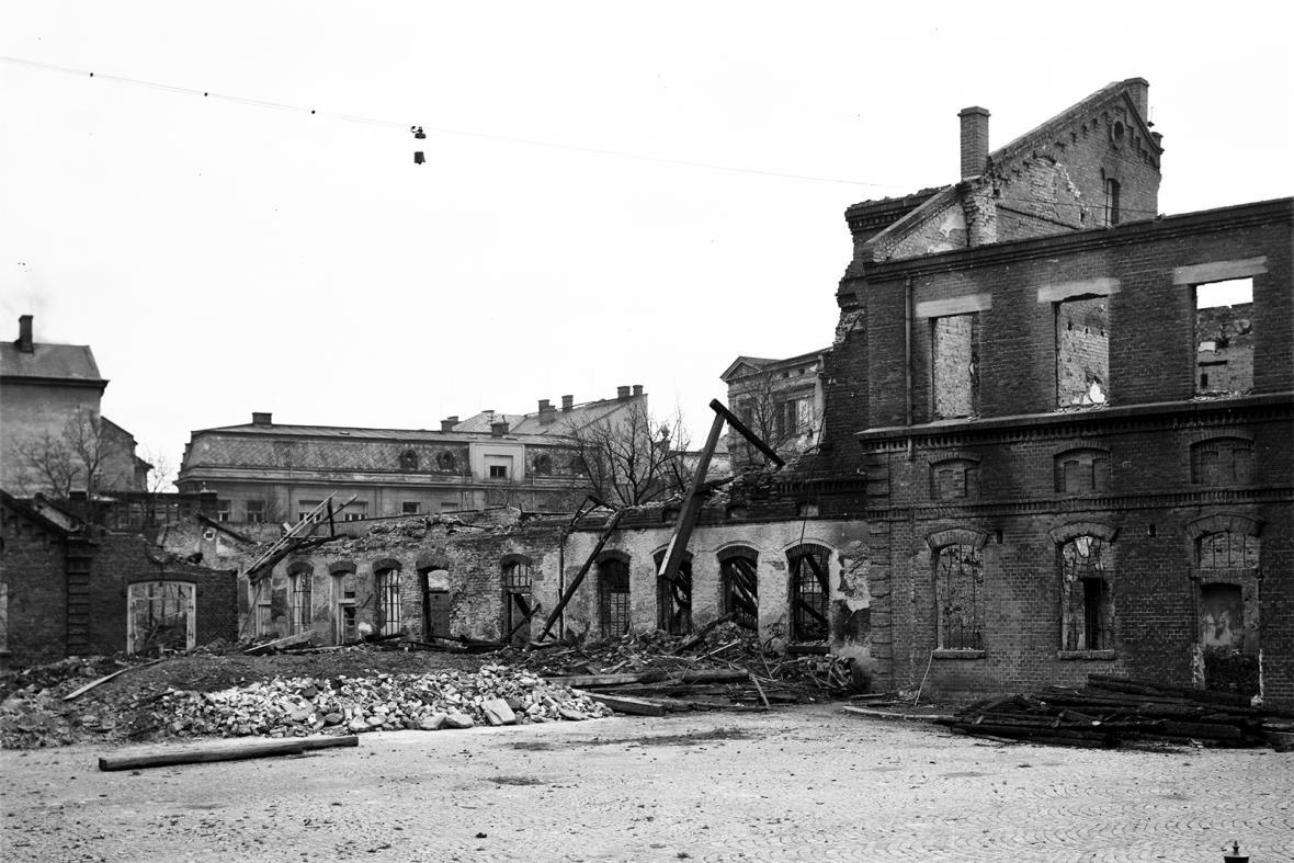 Mrtvé město - Opava 1945