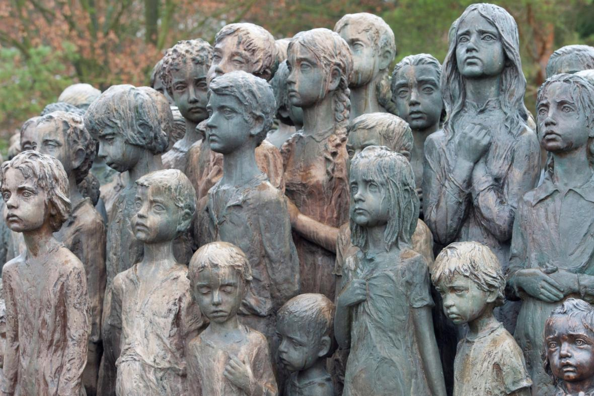 Památník věnovaný lidickým dětem