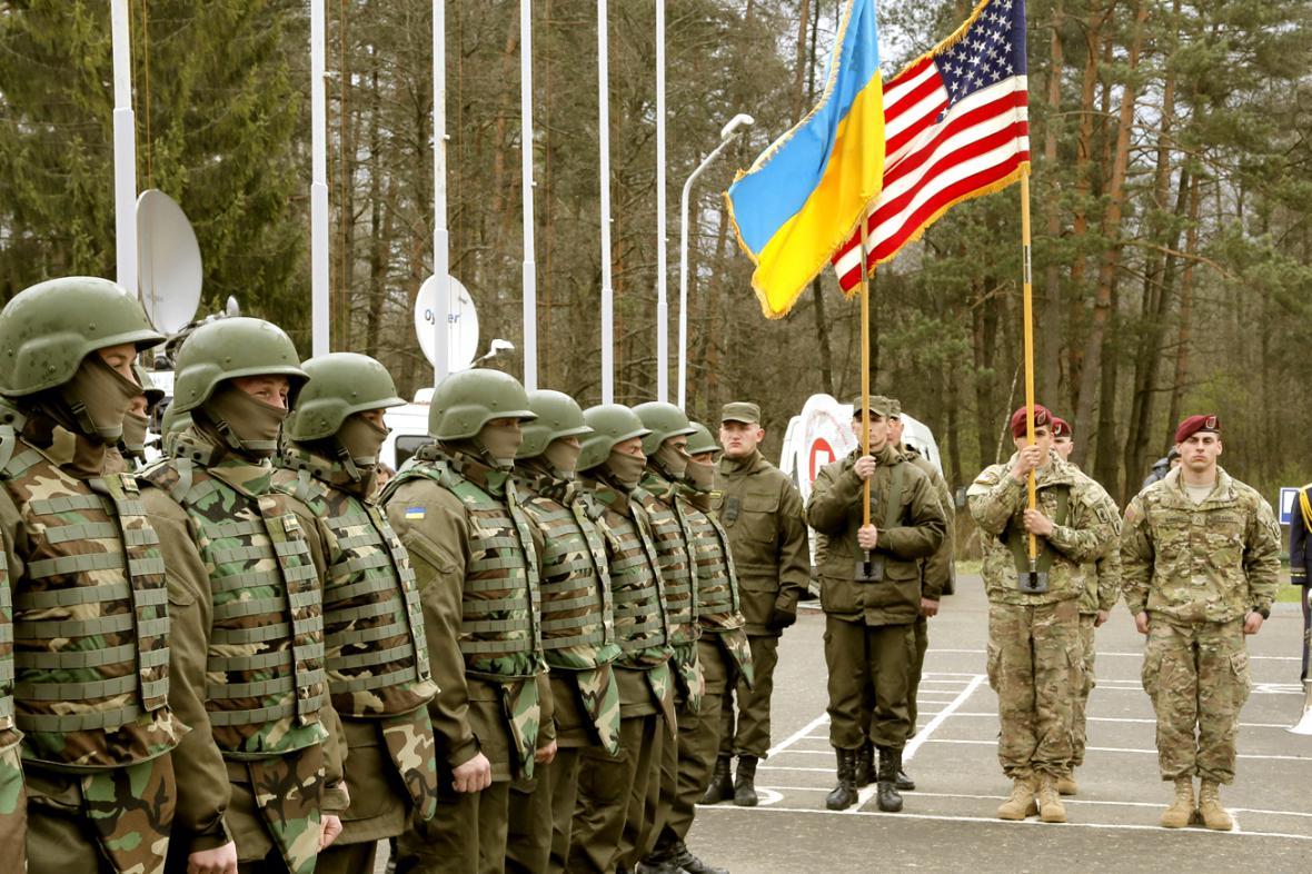 Americko-ukrajinské manévry