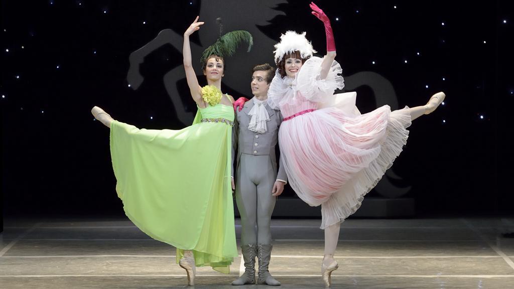 Ples – Barbora Šulcová (Tenká sestra), Sergio Méndez Romero (Princ), Markéta Pospíšilová (Tlustá sestra)