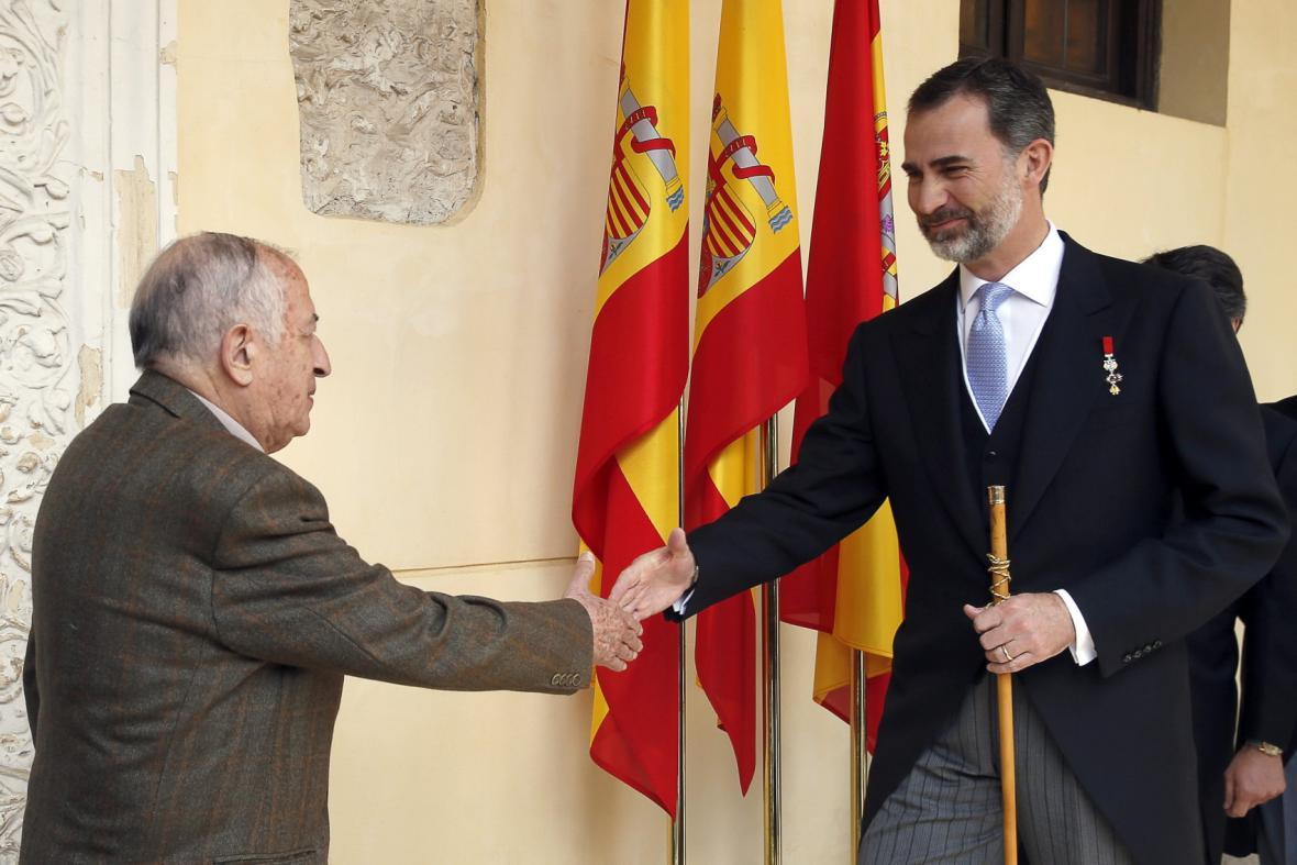 Spisovatel Juan Goytisolo a španělský král Filip VI.