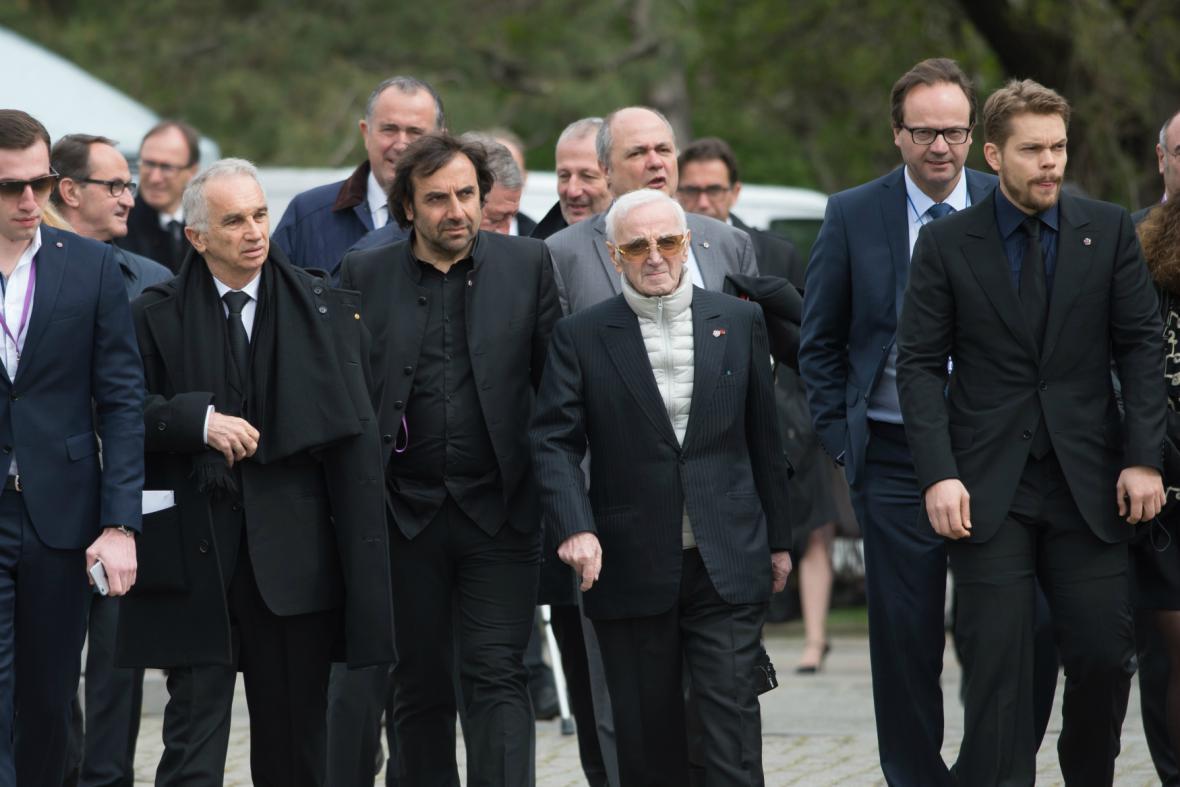 Mezi hosty piety byl i Charles Aznavour