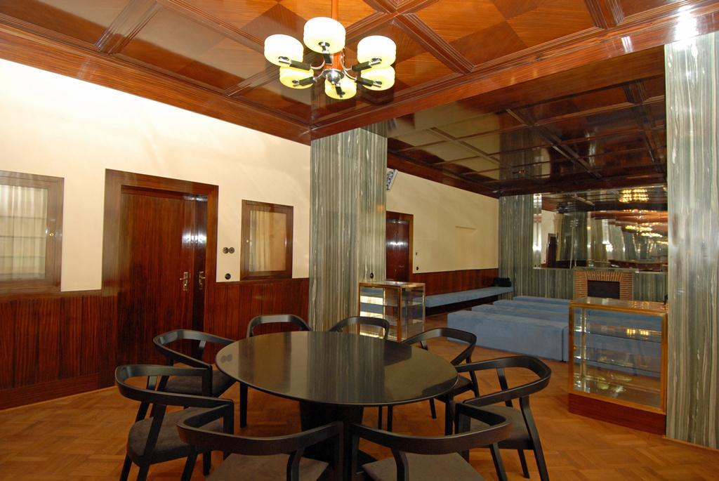 Interiér Adolfa Loose v Bendově ulici 10