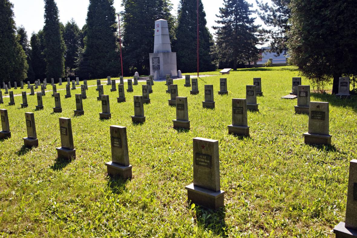 Hřbitov vojáků Rudé armády v Hlučíně