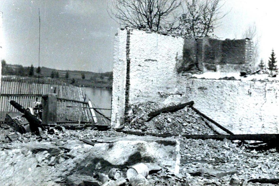 Vypálené Leskovice - statek u Vaverků