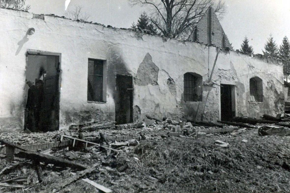 Vypálené Leskovice - statek u Vlachů