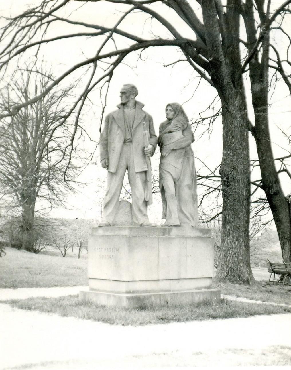 Památník obětem z Leskovic