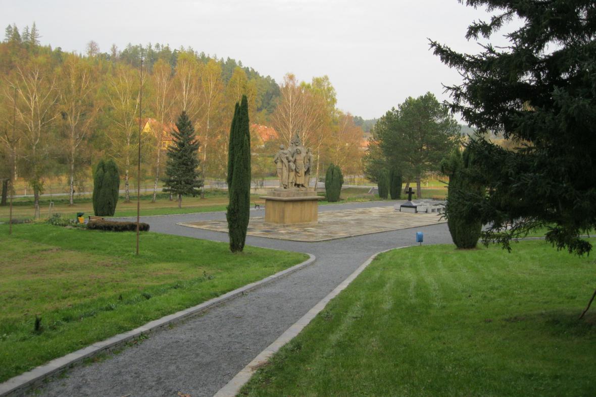 Památník připomínající vypálení Javoříčka