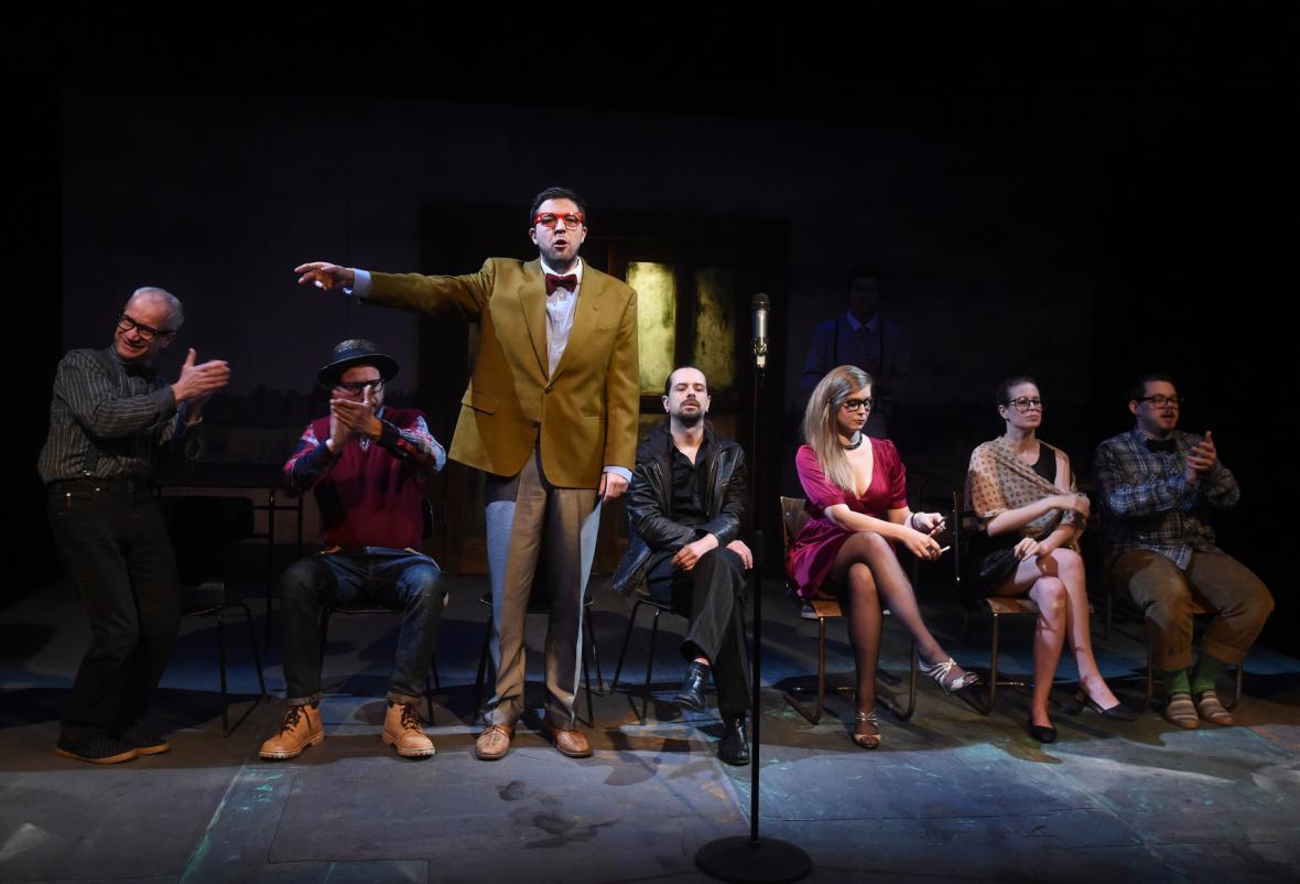 Brechtův Baal v Komorní scéně Aréna