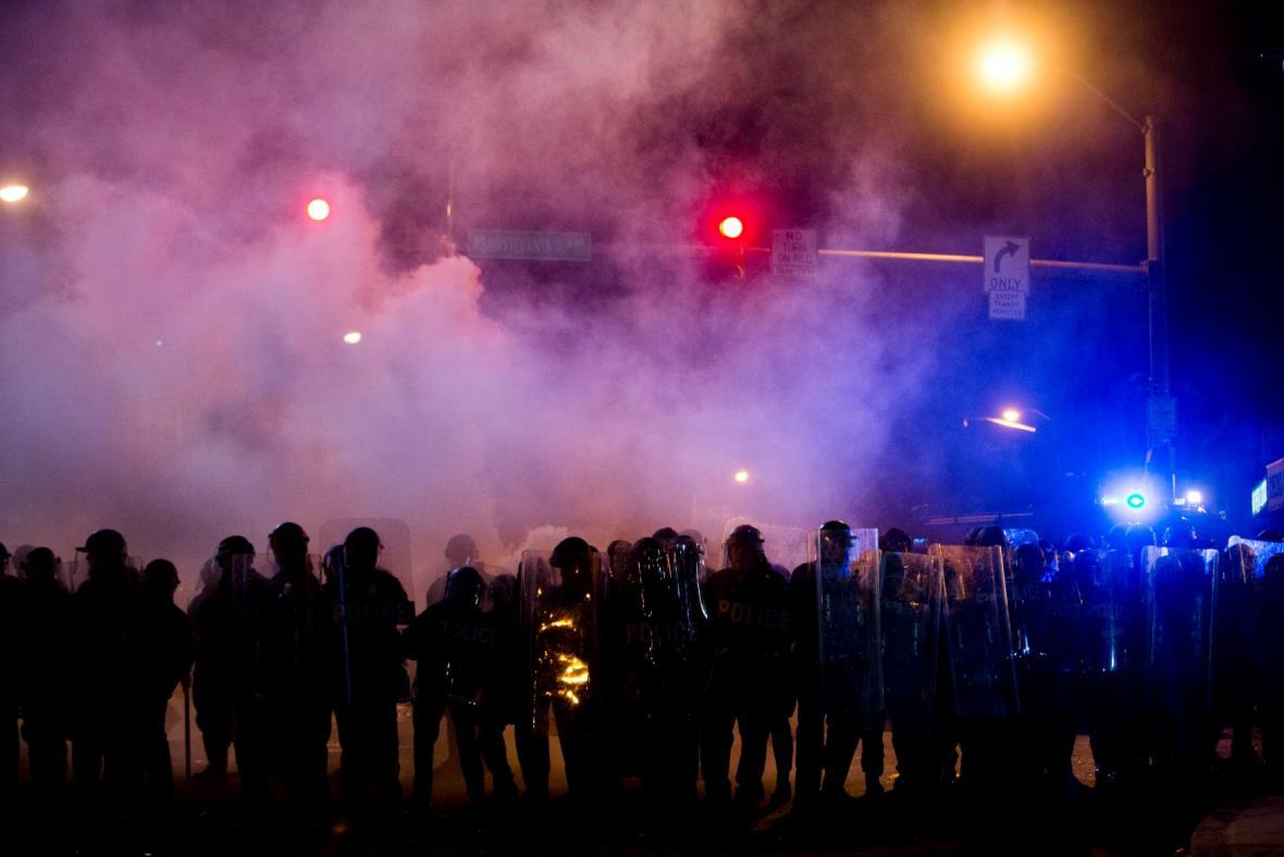 Policie dohlíží na dodržování zákazu vycházení
