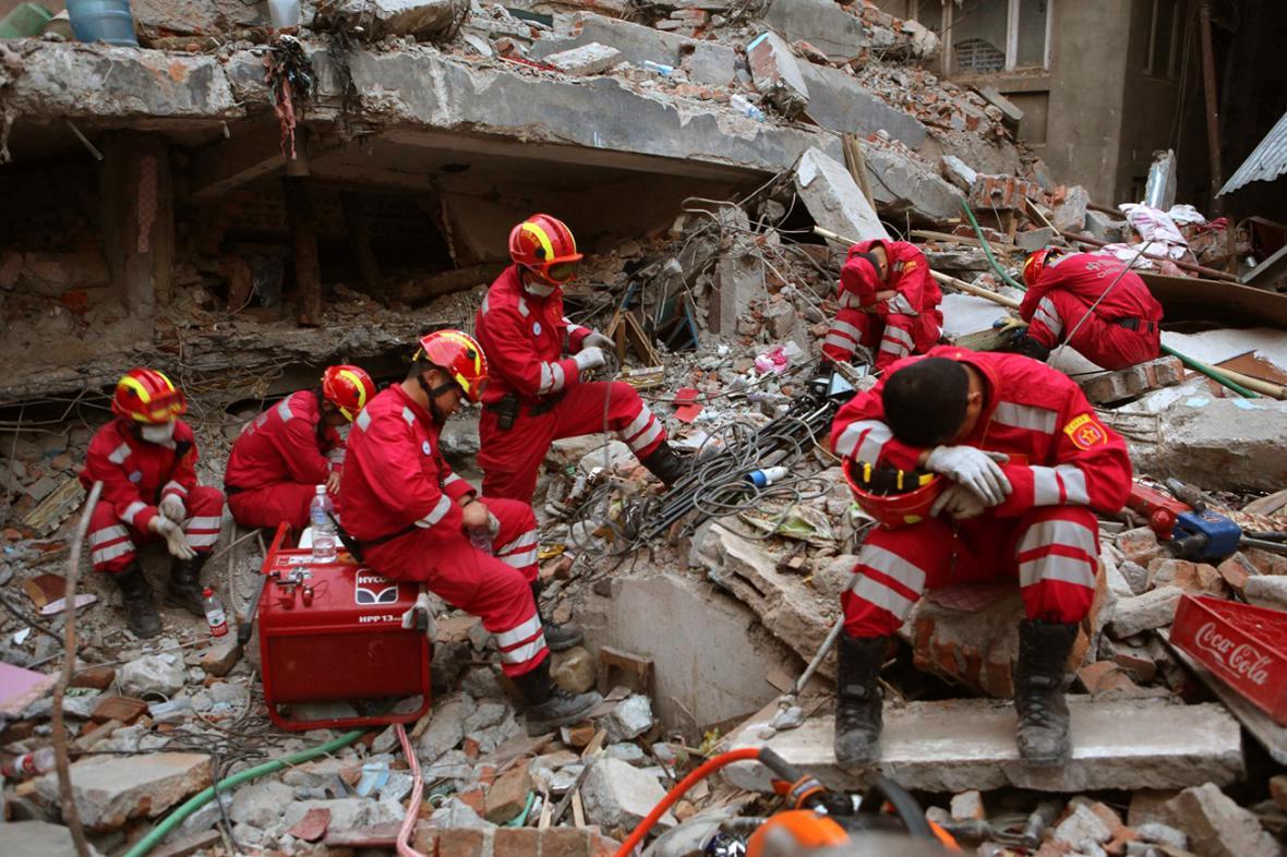 Záchranáři v Káthmándú