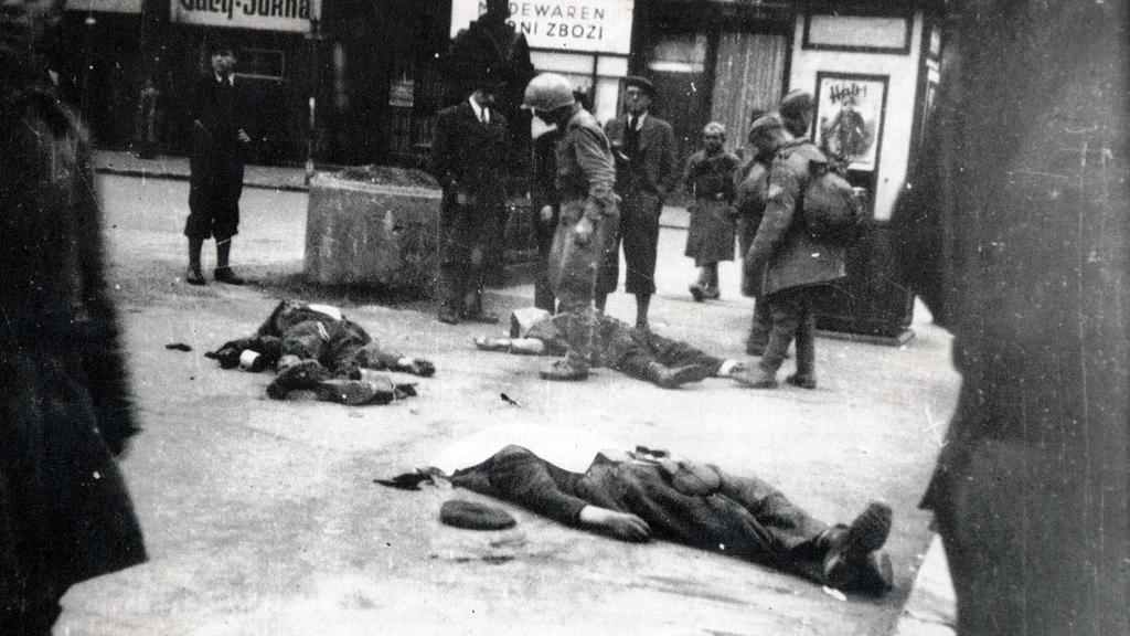 Mrtví civilisté v centru Ostravy