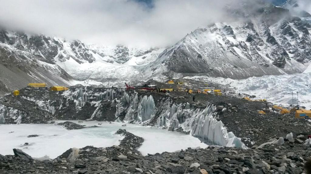Evakuace horolezců z Everestu