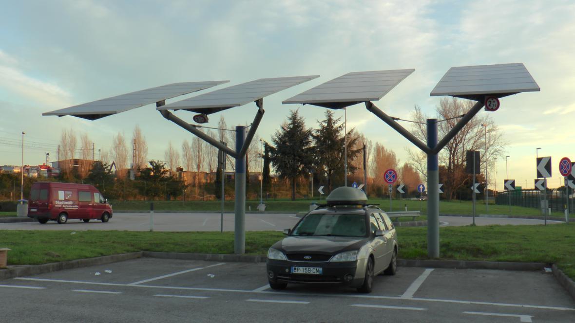 Fotovoltaické panely u Neapole