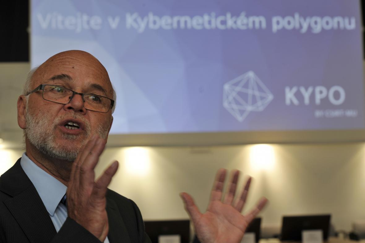 Kybernetický polygon