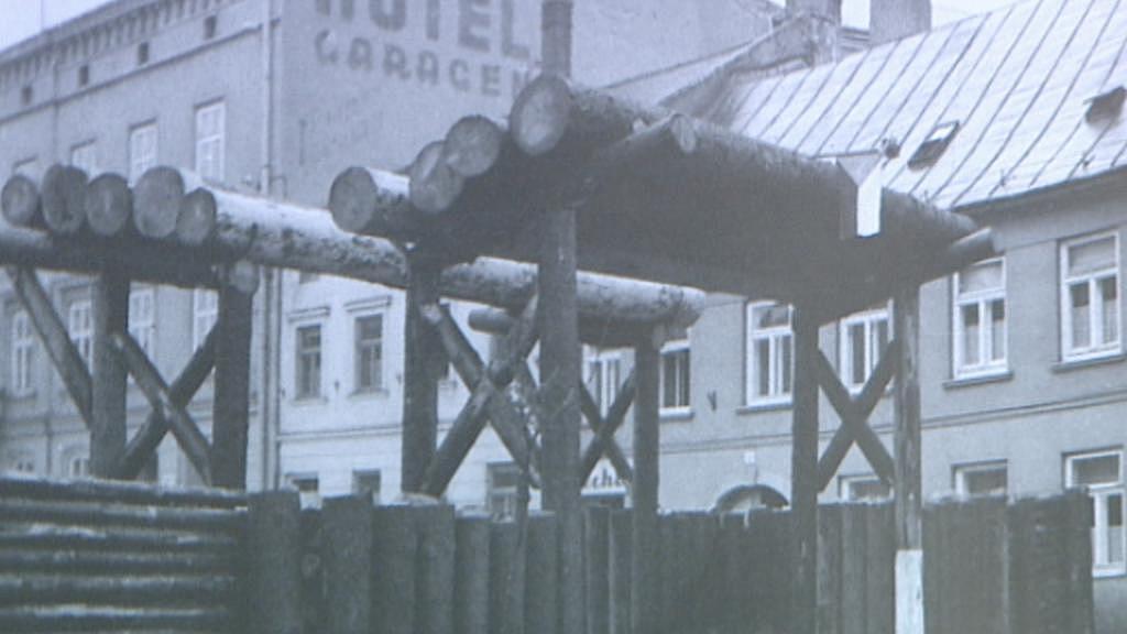 První barikády začali v Praze stavět Němci