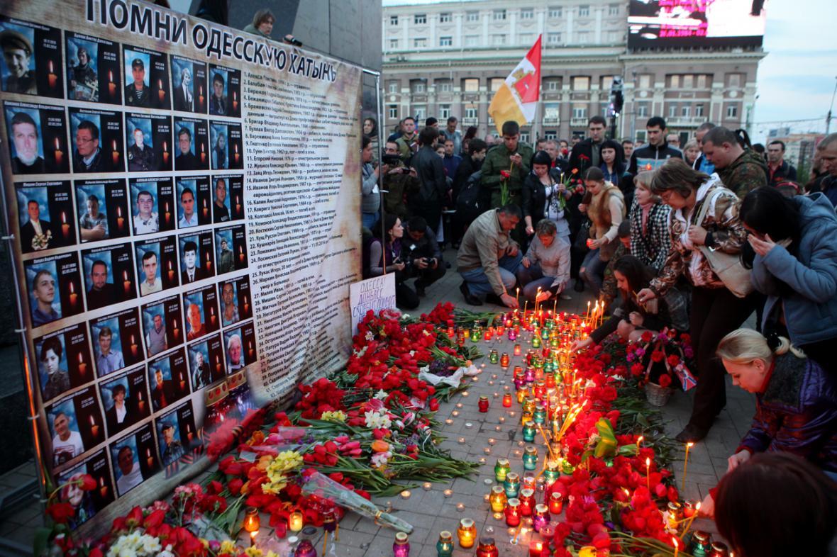 Pietní vzpomínka na oběti krvavého střetu v Oděse