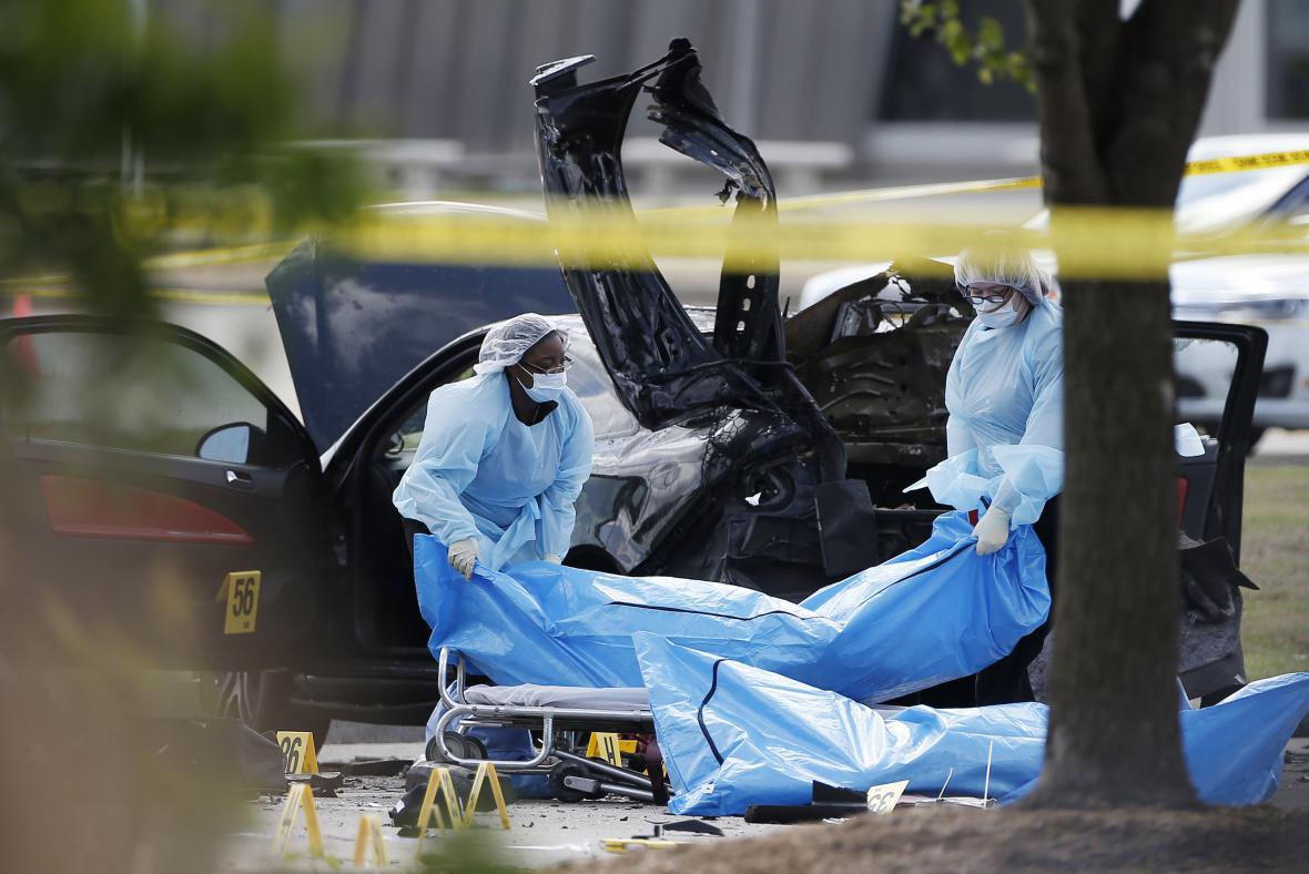 Oba útočníky policie zneškodnila