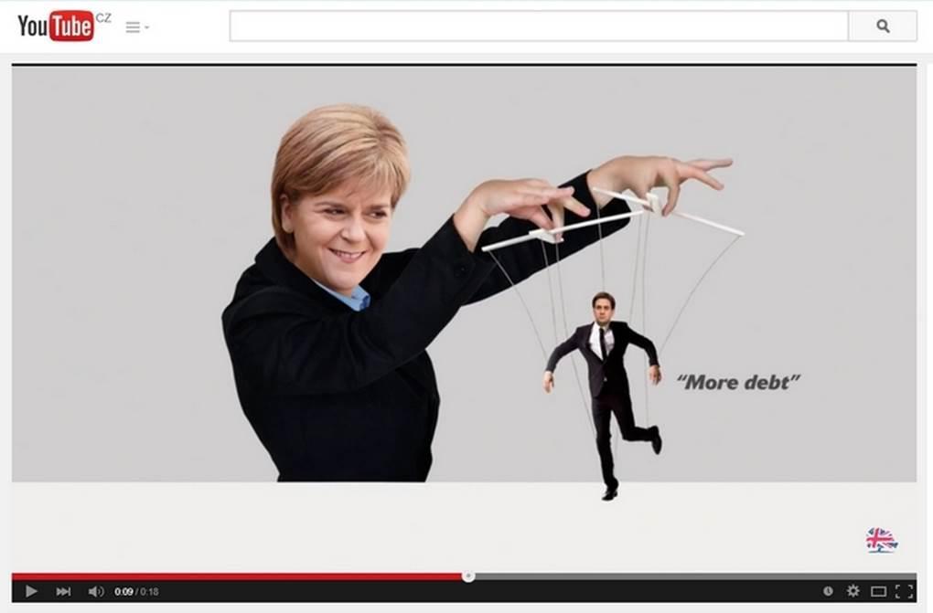 Humorně sarkastická kampaň na YouTube (Lídryně SNP Nicola Sturgeonová a šéf Labouristů Ed Miliband)