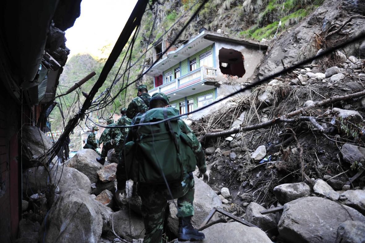 Zničená nepálská vesnice