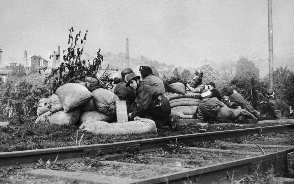 Barikáda v Praze v květnu 1945