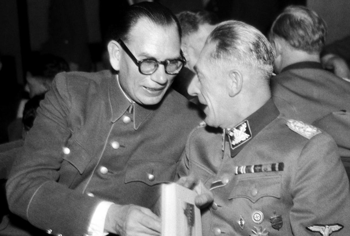 Andrej Andrejevič Vlasov v rozhovoru s Karlem Hermannem Frankem