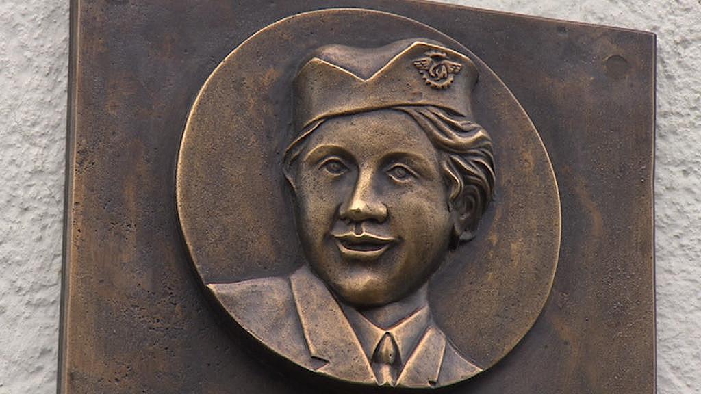 Pamětní deska Marie Staré v Novém Bydžově