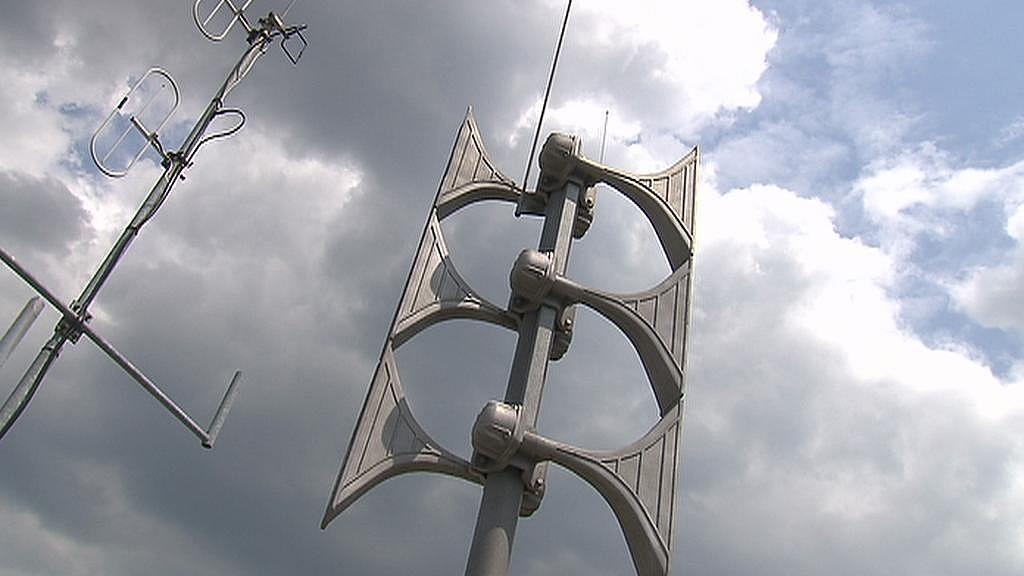 Moderní elektronická siréna umí vysílat i mluvené slovo