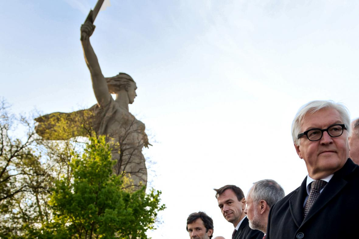 Frank-Walter Steinmeier u volgogradské Mamajevovy mohyly