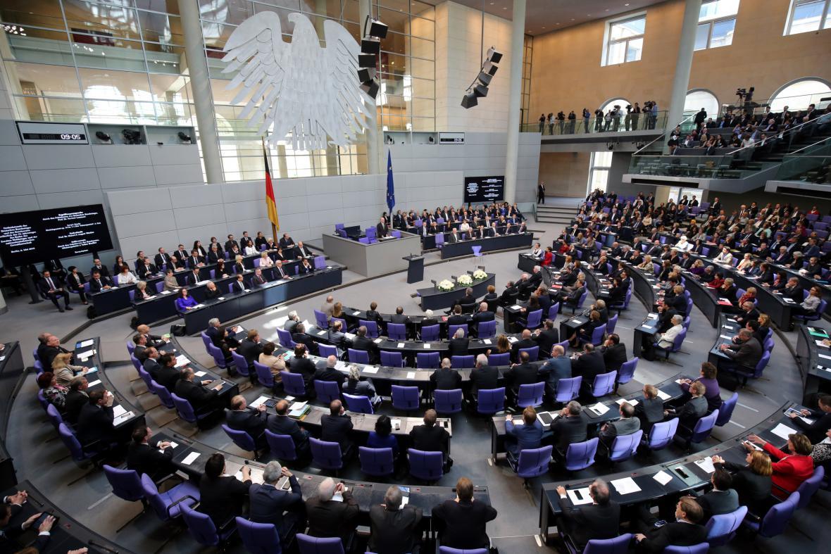 Pietní zasedání německého Bundestagu při příležitosti 70. výročí konce druhé světové války