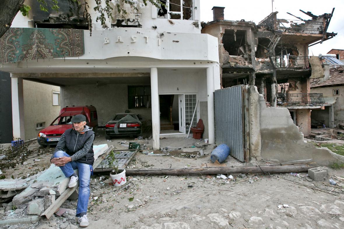 Následky víkendové přestřelky v Kumanovu