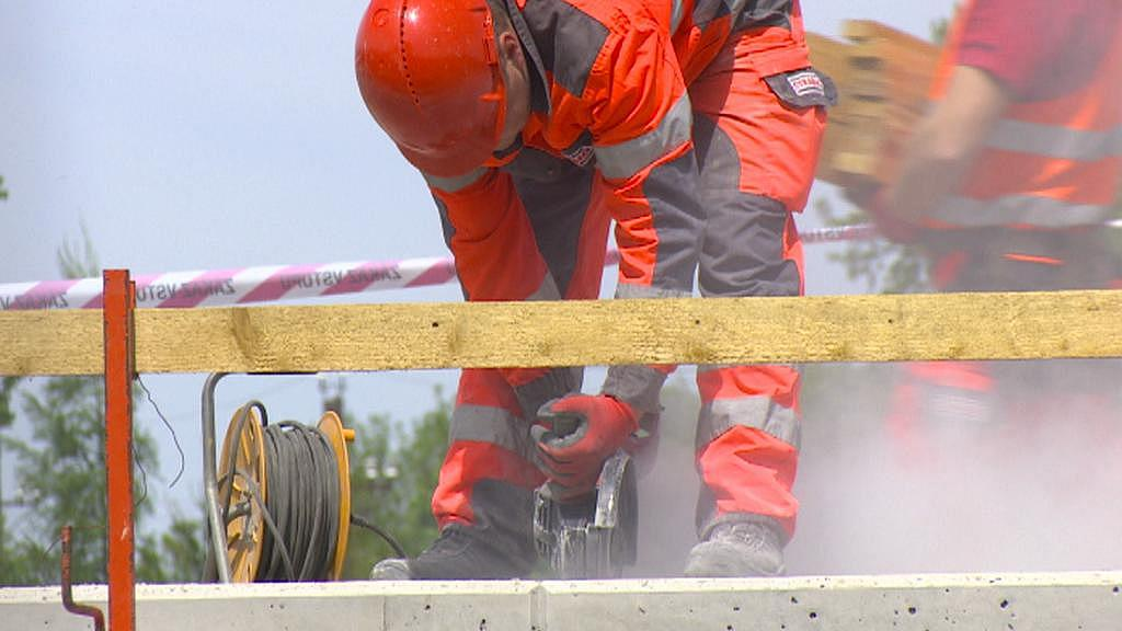 Práce na novém mostě už finišují
