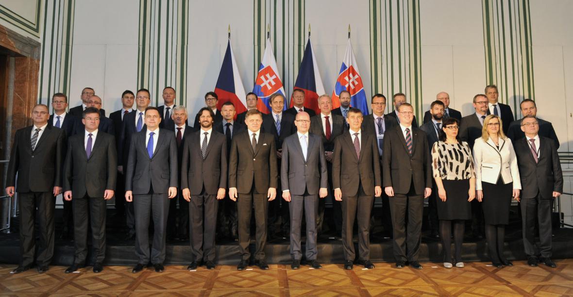 Česká a slovenská vláda