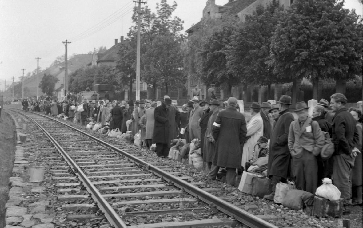 Transport Němců z Modřan v květnu 1946