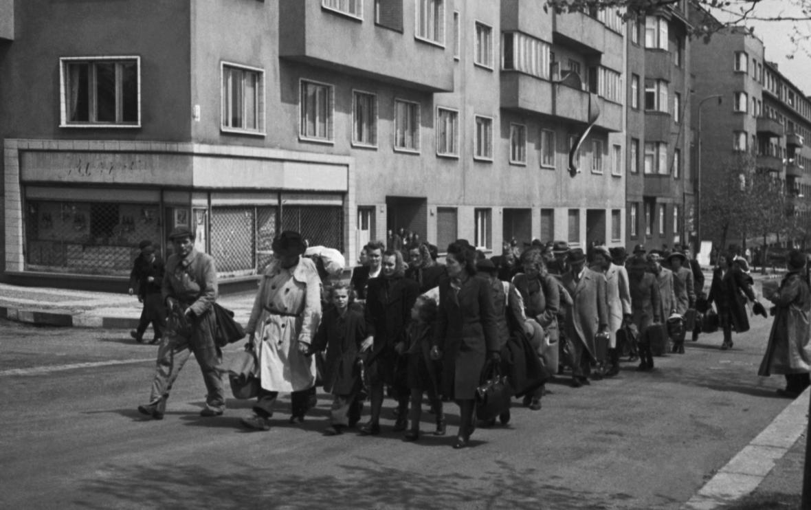 Odsun Němců z Prahy v květnu 1945