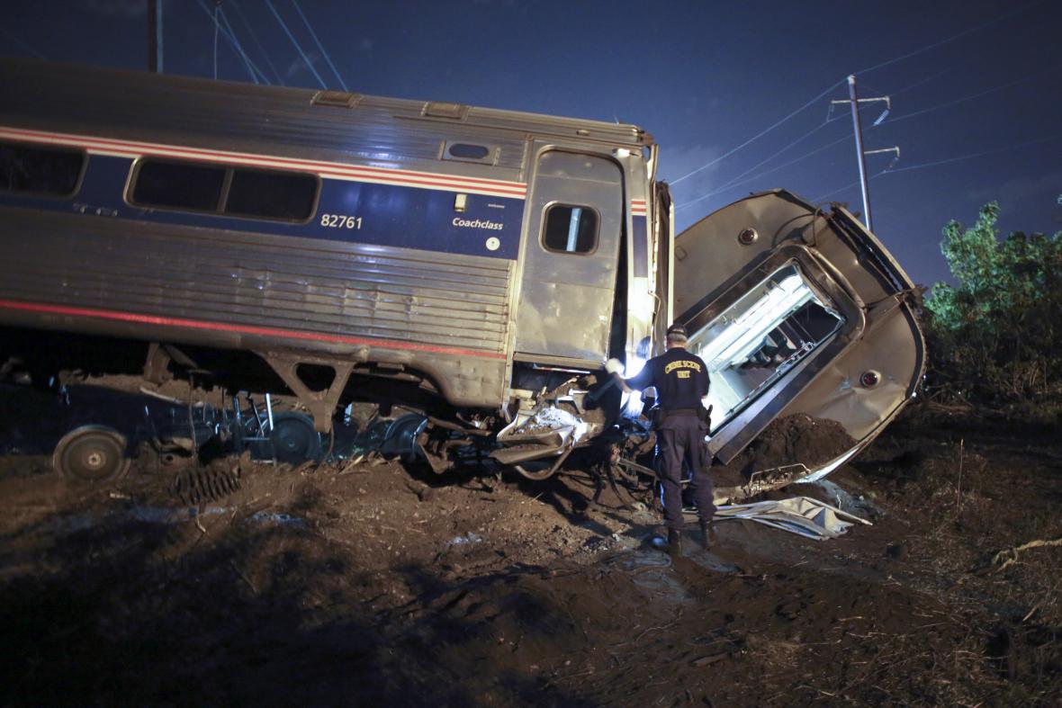 Nehoda vlaku ve Filadelfii na východě USA