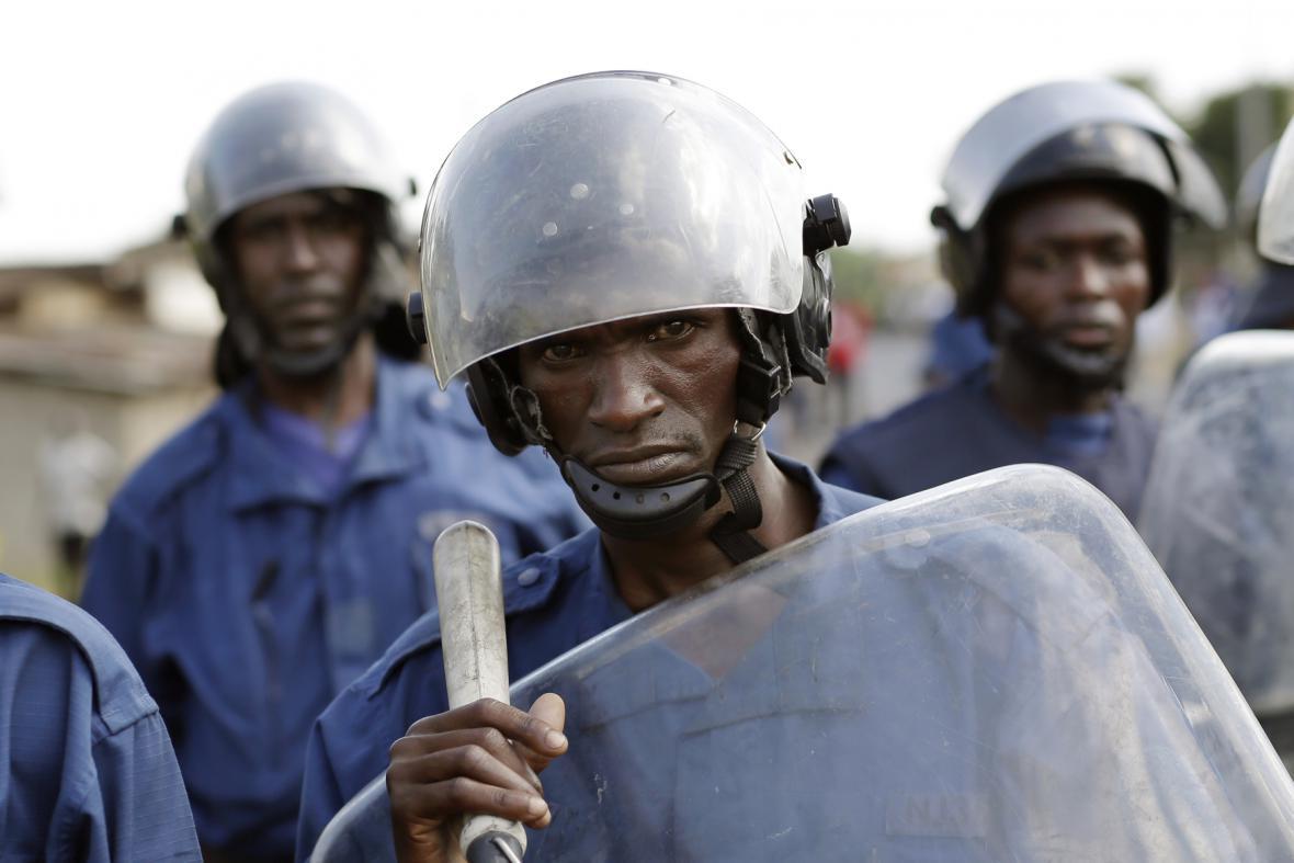 Policie v Burundi dohlíží na protesty