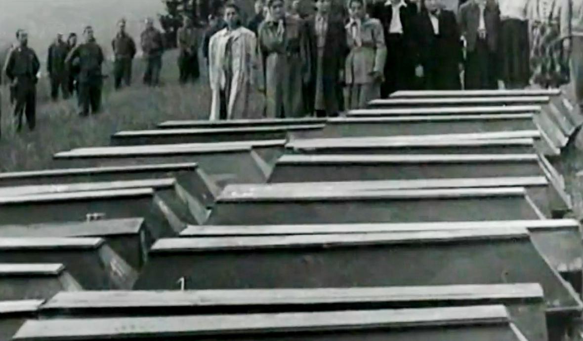Hromadný pohřeb obětí pochodu smrti