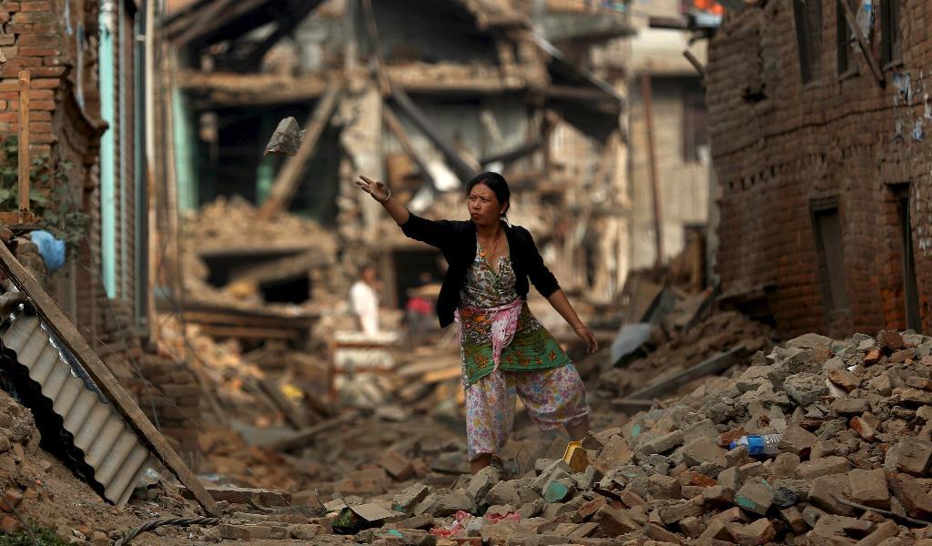 Následky ničivého zemětřesení v Káthmándú