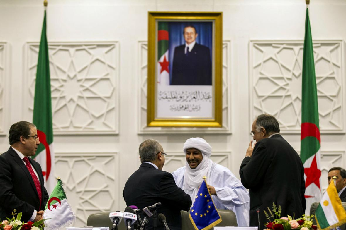 Podpis mírové dohody mezi rebely z Mali a vládou