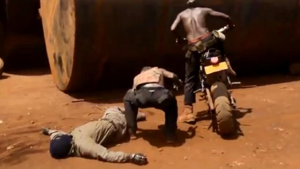 Uganďané dělají akční filmy