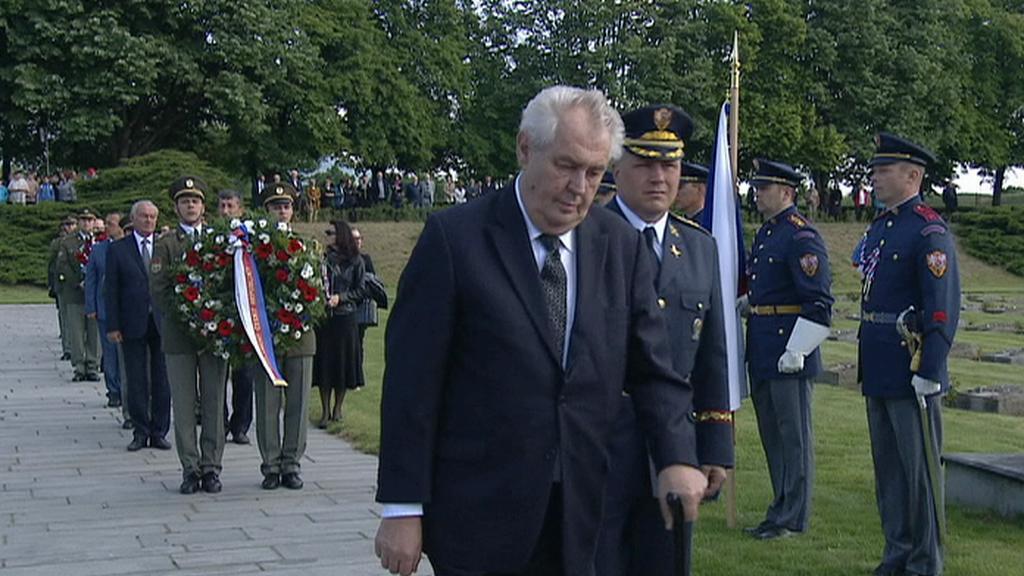 Miloš Zeman se zúčastnil tryzny v Terezíně