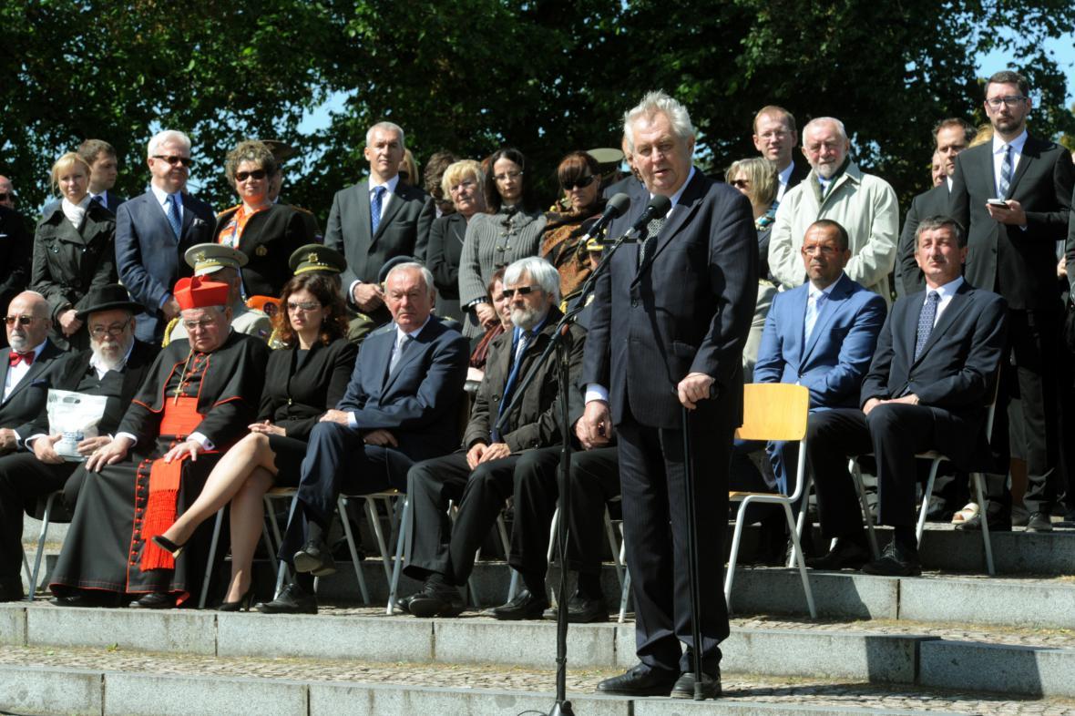 Miloš Zeman při projevu tryzně v Terezíně