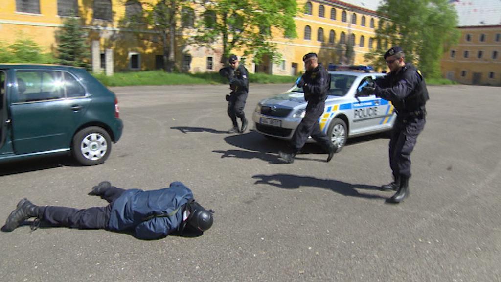 Výcvik policistů při extrémní situaci