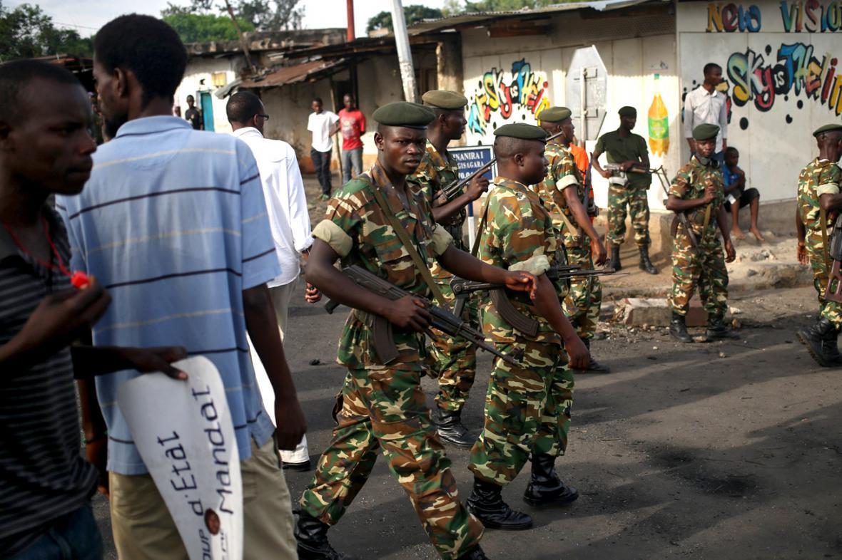 Vojáci v ulicích Bujumbury