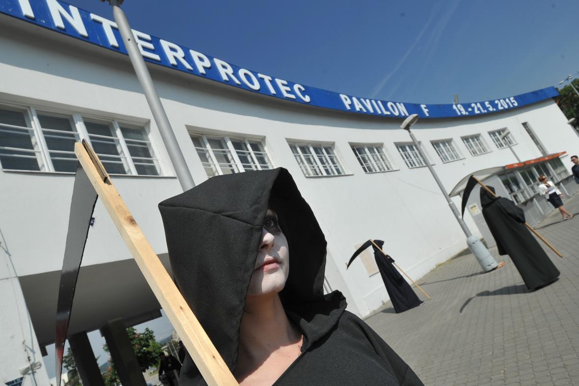Protest proti veletrhu IDET v Brně