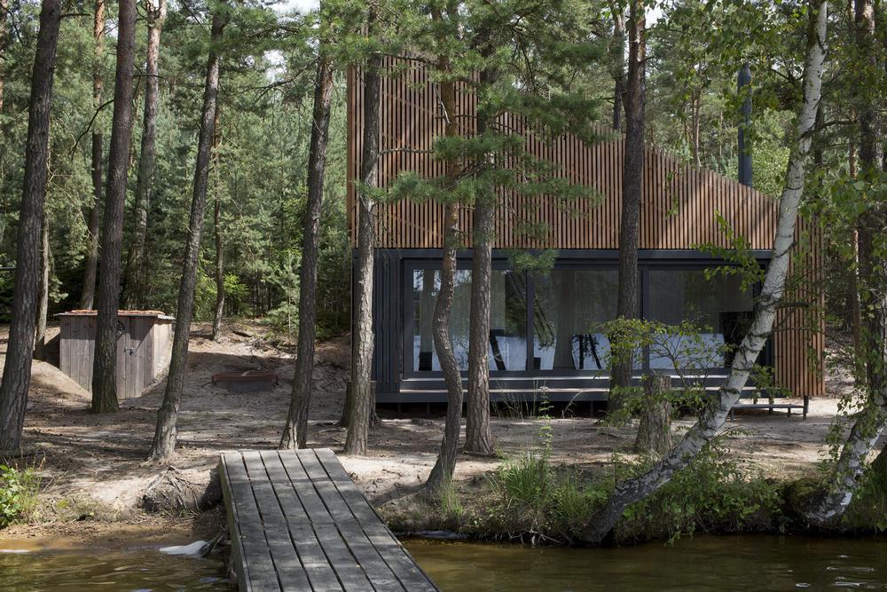 Chata u Máchova jezera (FAM Architekti)